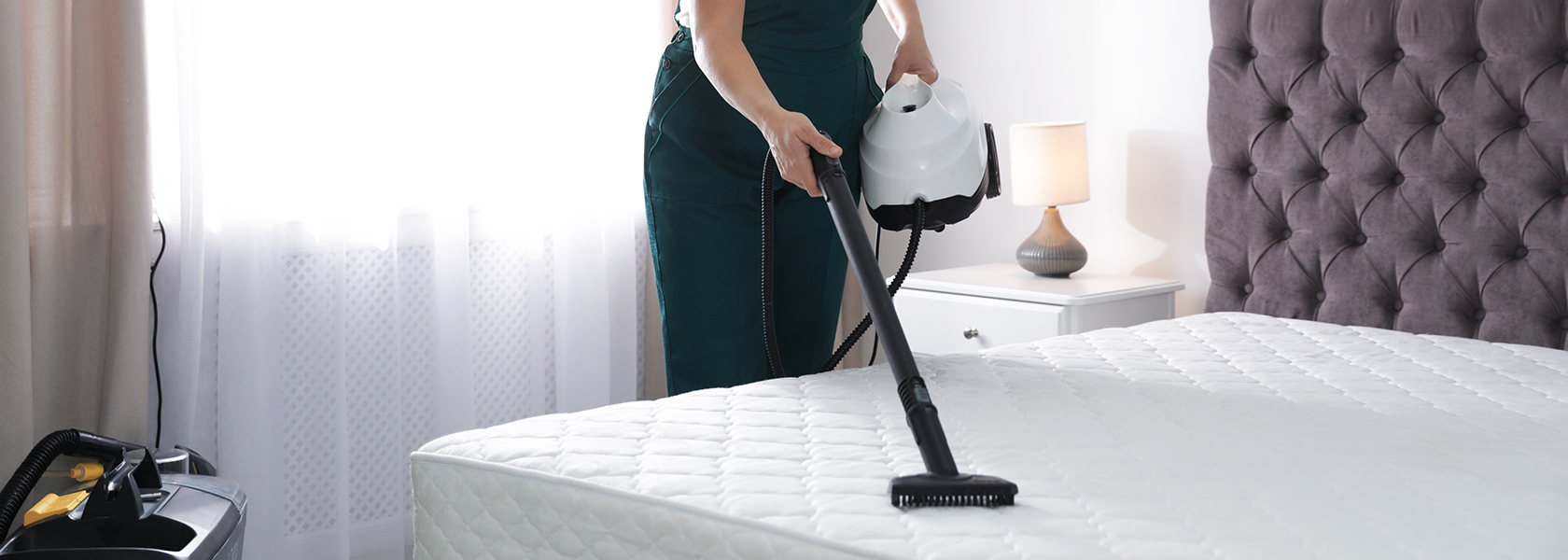 A Guide on Steam Cleaning the Mattress
